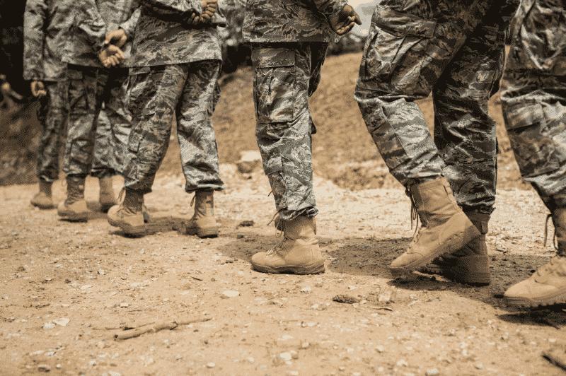 ascender rango militar