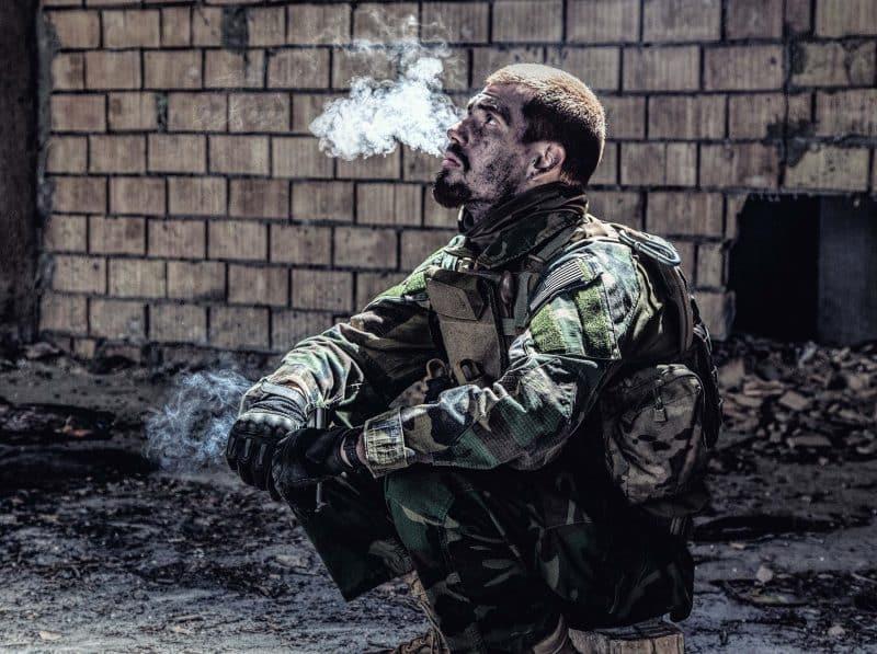 militar pelea fuera servicio perder destino