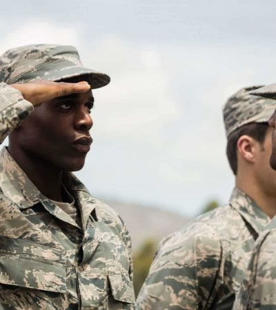expulsar academia militar no ir instruccion